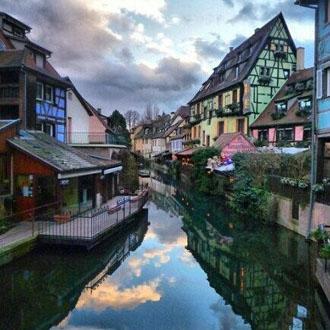法国Dusk Colmar小镇,我觉得自己站在画里。