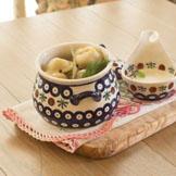 俄罗斯饺子状若新月,里面包有肉末、鱼肉或蘑菇等馅料。